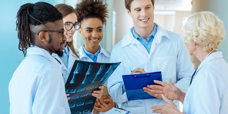6 opções de pós-graduação na área da Saúde para você considerar